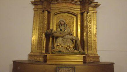 Nuestra Sra. de Piedad, imagen de Piedra de la Edad Media en Villanueva de Duero